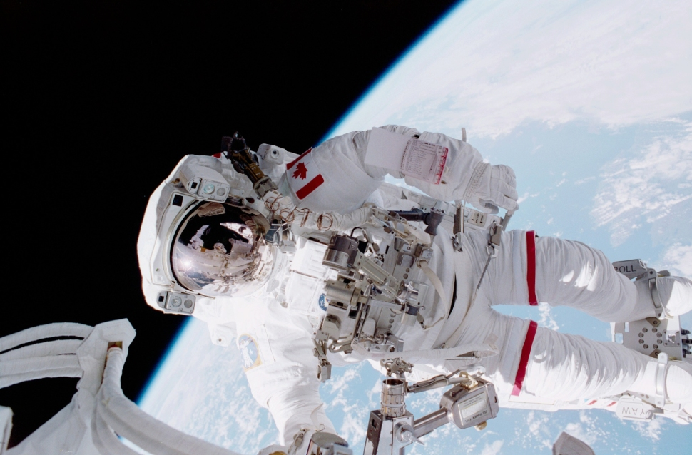 Astronaut-Chris-Hadfield-on-a-mission-STS-100-spacewalk