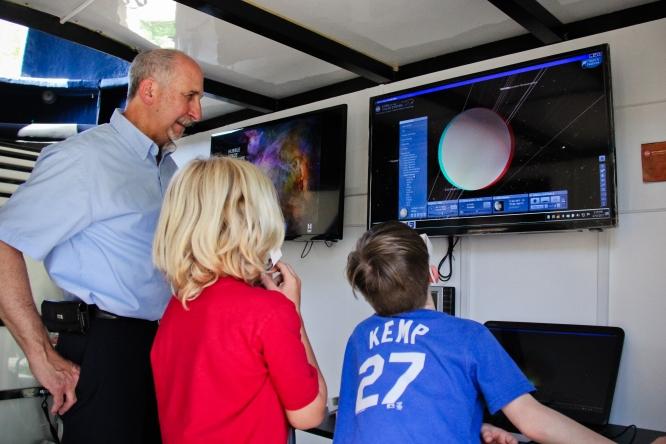 24-Mobile Observatory-8498